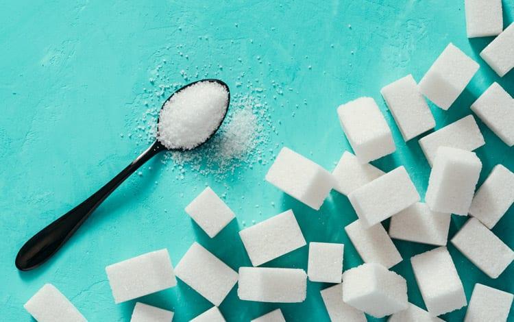 Conheça que doenças podem ser originadas devido ao excesso de açúcar no organismo