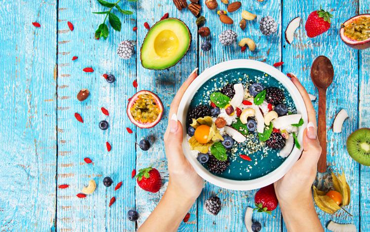 A dieta que lhe permite comer tudo o que quer num dia da semana e, ainda assim, perder 1 kg por semana