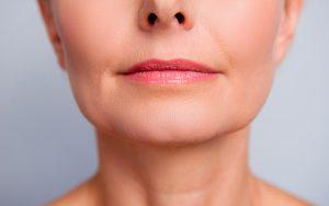 Como retardar o envelhecimento da pele do rosto durante a menopausa?