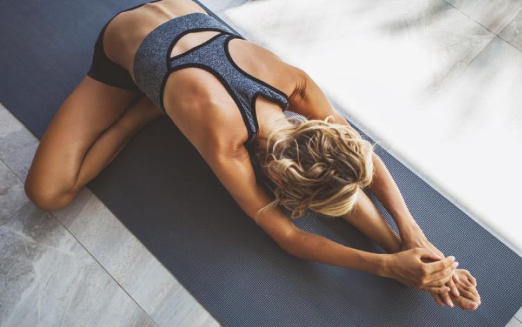 Yoga: O que é, benefícios e como fazer