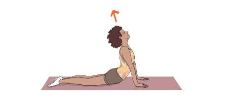 Exercícios para combater a retenção de líquidos: Alongamento do abdominal